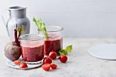 Heisser Smoothie mit Kirschtomaten, Paprika und Rote Bete
