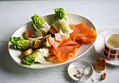 Cäsarsalat mit Räucherlachs