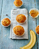 Wholemeal banana muffins with dried apricots