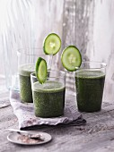 Green nori and cucumber smoothies with psyllium shells