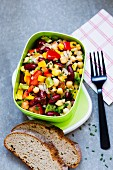 Salad with chickpeas, kidney beans and peppers