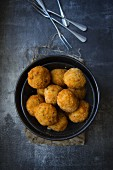 Polpette Di Riso (deep fried rice balls, Italy)