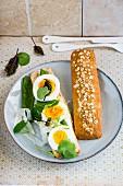 Eiersandwich mit Zuckerschoten