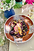 Chakalaka mit Radiccio, Knoblauch, Baked Beans und Curry