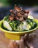 Reis mit Kräuterpesto und Austernpilzragout