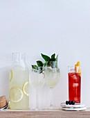 Cocktails Cerise und Belafonte (Drinks mit Pinot Noir und Prosecco)
