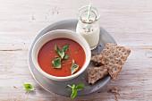 Tomatensuppe mit Hefeflocken (Nachfastenzeit)