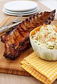 Schweinerippchen mit Honigglasur und Krautsalat