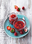 Strawberry and raspberry spread with acacia honey and agar-agar