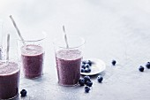 Anti-aging smoothies with blueberries