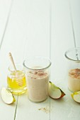 An apple smoothie with honey, vanilla and cinnamon