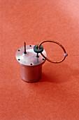 Apparatus to measure magnetic flux quantum