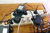 Heavily loaded plug socket