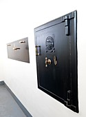 Storage safes