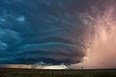 Tornadic supercell thunderstorm,USA