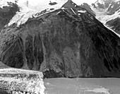 Lituya Bay 1958 tsunami landslide
