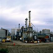 Tar distillation plant