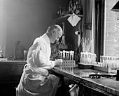 Edward Francis,American bacteriologist