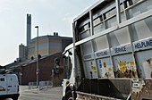 Refuse lorry and waste incinerator