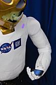 Robonaut 2 using Twitter