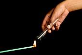 Lit splint hydrogen gas test
