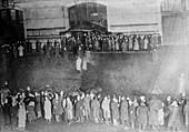 Crowds awaiting Titanic survivors