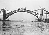 Hell Gate Bridge construction,1915