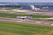 Boeing 777 at Paris Charles de Gaulle