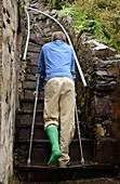 Climbing steps on crutches