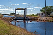 Canal sluice gate
