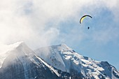 A Paraponter over Mont Blanc