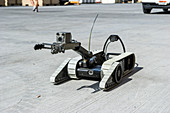 Unmanned mine clearance vehicle
