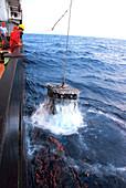 Recovering robotic underwater vehicle