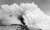 Katmai volcano erupting,Alaska,1913