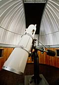 Amateur astronomy: Newtonian reflector telescope