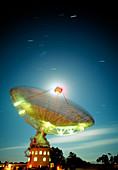 Time-lapse of Parkes radio telescope,Australia