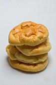 Cloud Bread (Brötchen ohne Kohlenhydrate), gestapelt