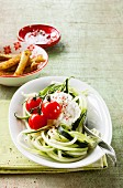 Courgette spaghetti with spicy cottage cheese and tomatoes