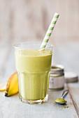 Banana green tea smoothie