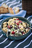 Tortellini salad with vegetables