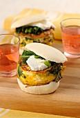 Sandwich mit Mini-Ricotta-Tortilla und Kräutern