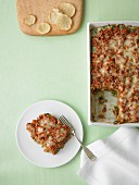 Puten-Lasagne in Backform, angeschnitten