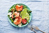 asparagus salad with prawns and avocado