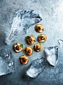 Blinis mit Räucherlachs und Kaviar