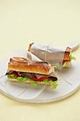 Baguettesandwich mit Roastbeef zum Lunch