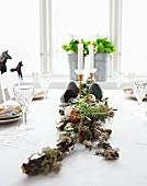 Tischdeko für ein Osterbuffet
