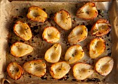 Oven-roasted pears with thyme