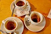 Drei gebrauchte Espressotassen