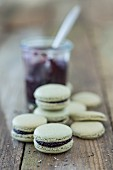 Vegan macaroons made with spirulina