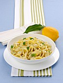 Conchigliette al pesto di limone (shell pasta with lemon pesto, Italy)
